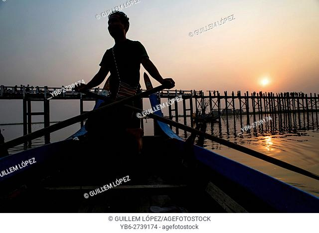 A boatman at the Taungthaman Lake, Amarapura, Myanmar