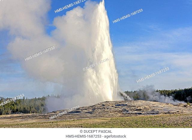 United States, Wyoming, Rocky Mountains, Yellowstone National Park listed as World Heritage by UNESCO, Upper Geyser Basin, Old Faithful Geyser erupting
