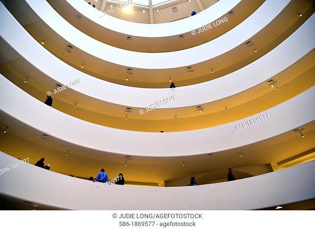 Guggenheim Museum, New York City, Gallery in the Round