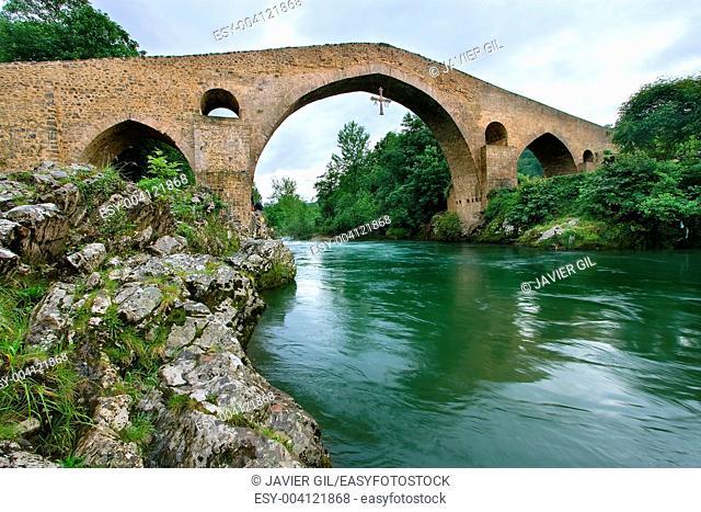 Roman bridge, Cangas de Onis, Asturias, Spain