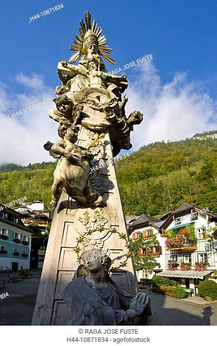Austria, Hallstatt, Salzkammergut, Upper Austria, marketplace, world cultural heritage, column, sculptures, holidays, travel