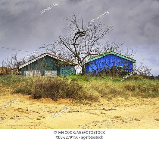 fishermenâ. . s huts, Moeze-Oleron Nature Reserve, Ile dâ. . Oleron, Charante-Maritime Department, Nouvelle Aquitaine, France