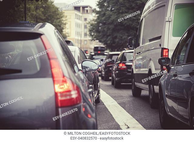 Heavy traffic on a London street