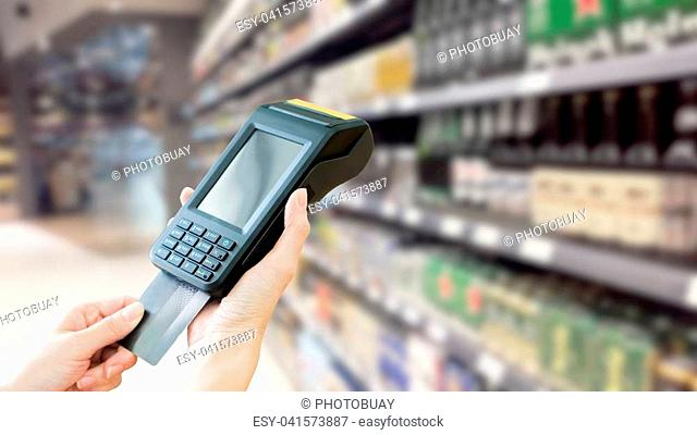 Contactless credit card payment,Supermarket
