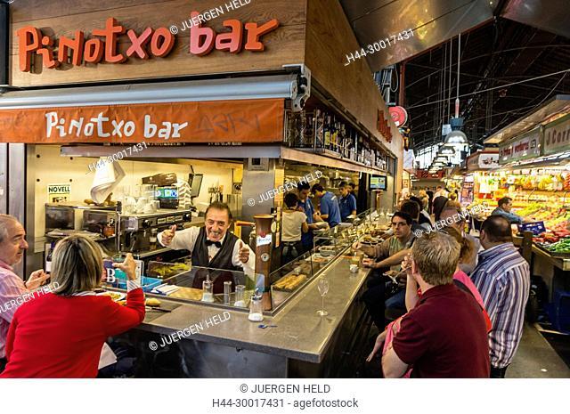 Spain, Catalonia, Catalunya, Barcelona, La Ramblas, Pinotoxo Bar in La Boqueria Market