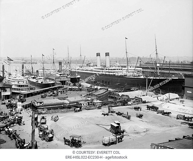 The Ocean Liner BALTIC moored at the White Star Line piers New York ca. 1905. LC-D4-10911 C