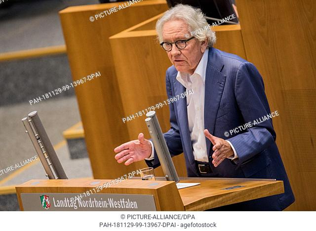 29 November 2018, North Rhine-Westphalia, Düsseldorf: Stephan Holthoff-Pförtner (CDU), Minister for European Affairs of North Rhine-Westphalia