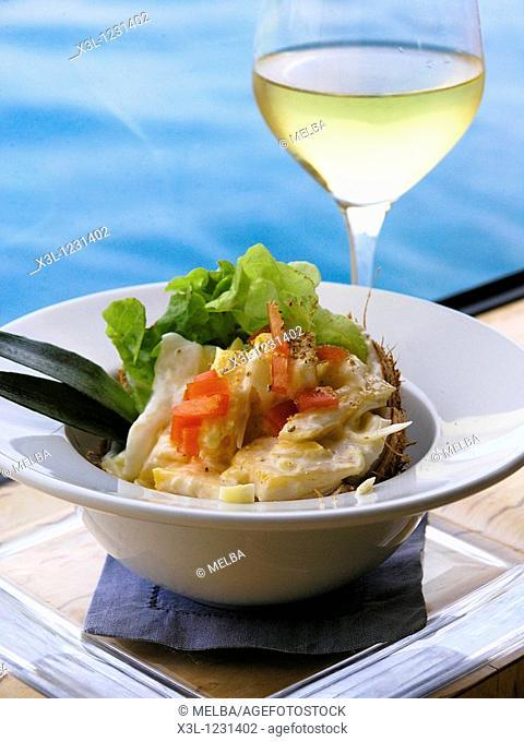 Polynesian salad with coconut
