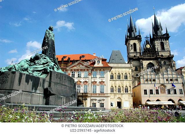 Czech Repblic, Prague, Jan Hus Monument. Tyn Church. The Old Town Square