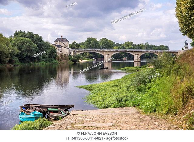 View of river and bridge, Vienne River, Chinon, Indre-et-Loire, Central France, September