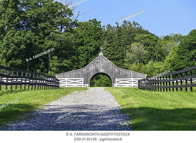 Litchfield, Connecticut, USA The entrance to a farmhouse in the Litchfield hills