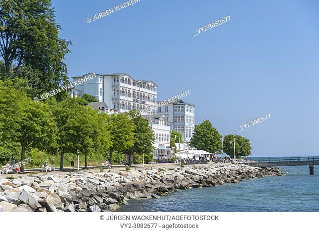 Promenade with hotel Fürstenhof, Sassnitz, Rügen, Mecklenburg-Vorpommern, Germany, Europe