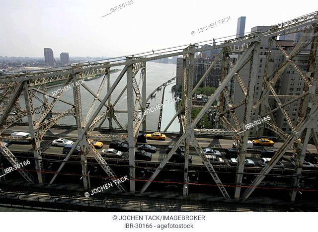 USA, United States of America, New York City: Queensboro Bridge over East River