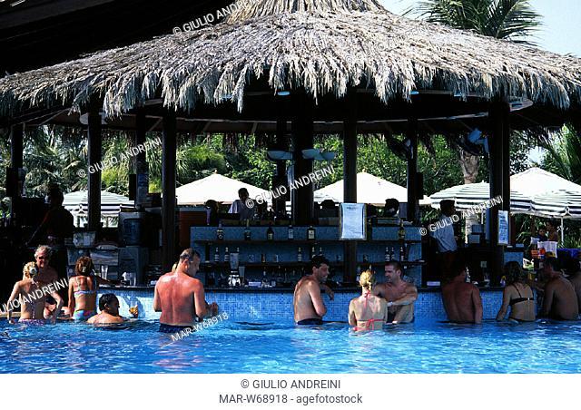united arab emirates, dubai, jumeira beach hotel, swimming pool
