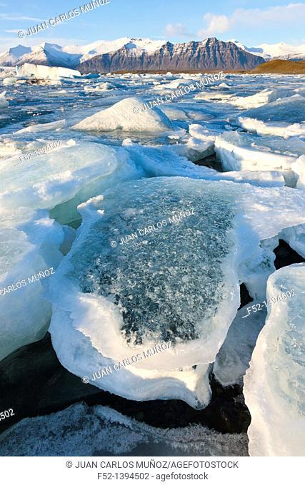 Jokulsarlon glacier lagoon, Southern Iceland, Iceland, Europe