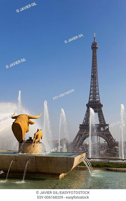 Trocadero gardens and Eiffel tower, Paris, Ile-de-france, France