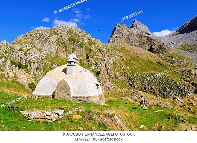 Refuge of Los Forestales. Sierra Bernera. Valles Occidentales Natural Park. Pyrenees mountains. Huesca province. Aragón. Spain