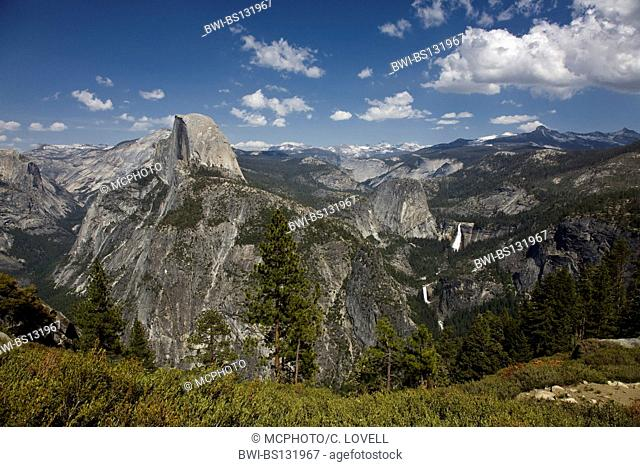 HALF DOME and the YOSEMITE VALLEY as seen from GLACIER POINT, USA, California, Yosemite National Park