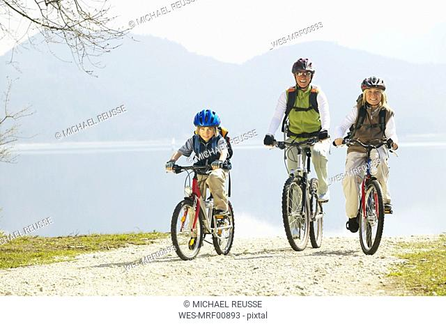 Germany, Bavaria, Walchensee lake, family biking