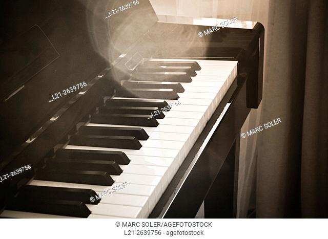 Piano, musical instrument