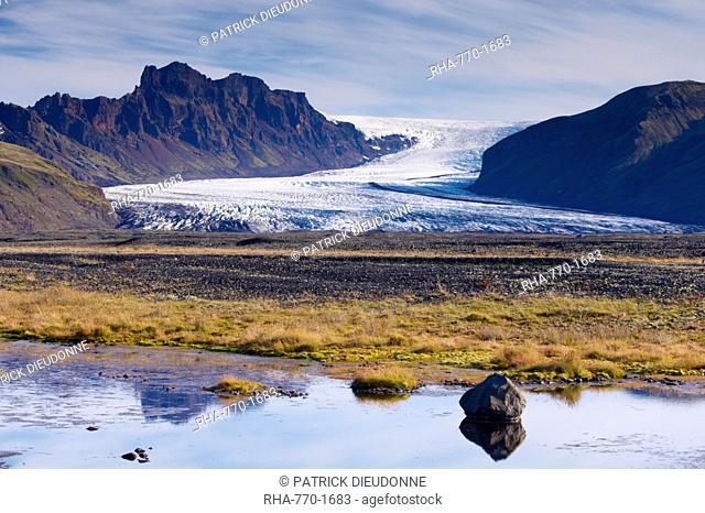 Skaftafellsjokull, impressive glacial tongue of the Vatnajokull ice cap in Skaftafell National Park, south-east Iceland Austurland, Iceland, Polar Regions