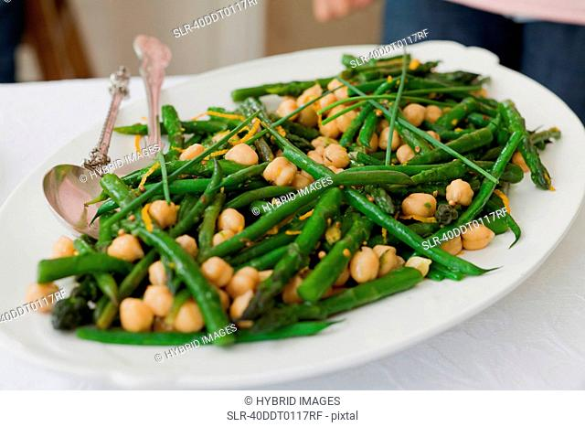Plate of chickpeas and green beans