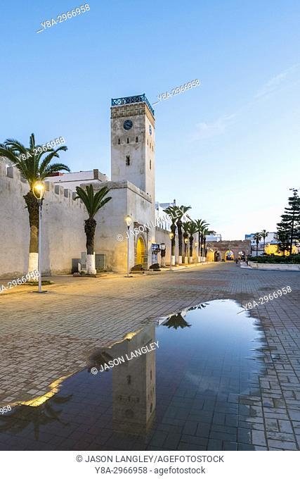 Morocco, Marrakesh-Safi (Marrakesh-Tensift-El Haouz) region, Essaouira. Place d'Horloge, clocktower and buildings in medina (old town)