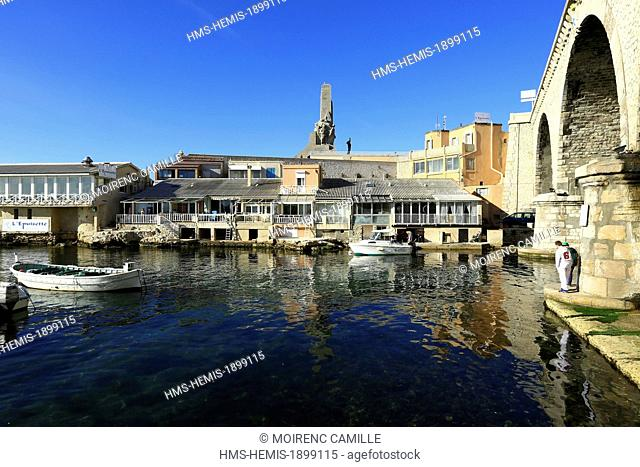 France, Bouches du Rhone, Marseille, Vallon des Auffes, restaurant Nets and the memorial of the Eastern Army in the background
