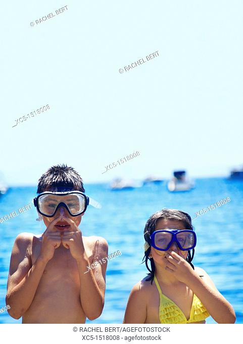 Children going to dive