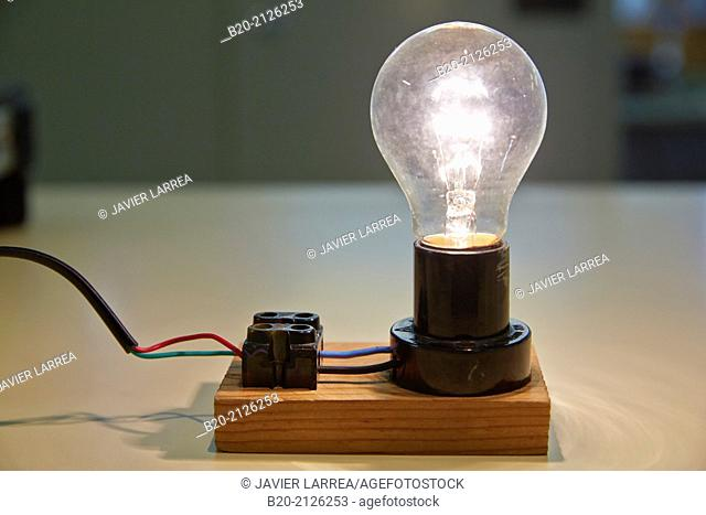Incandescent lamp. Laboratory tests. Manufacture of electrical equipment