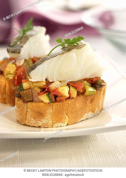 Montadito de bacalao con samfaina / Montadito of cod with samfaina