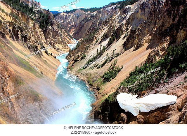 Grand canyon of the Yellowstone river in Yellowstone national park, Wyoming, USA