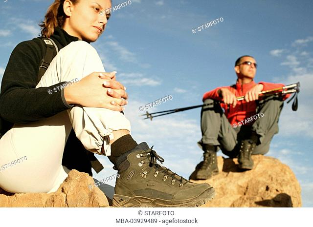 Mate, hikers, sitting, pause, traveling-equipment, rocks
