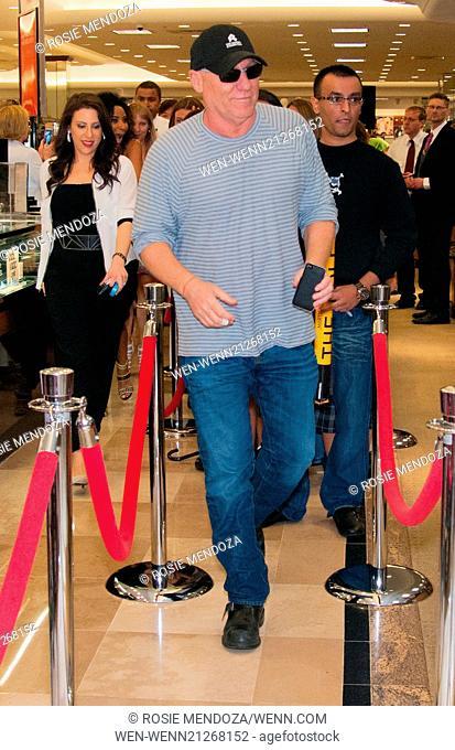 bdad59f723c Shoe designer Steve Madden meets fans at Dillard s  Pembroke Lakes Mall