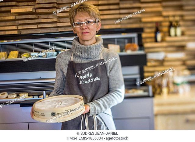 France, Doubs, Pontarlier, Little Cheese Shop, AOP Mont d'Or