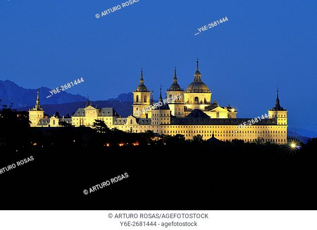 Night shoot of the Monastery of San Lorenzo de El Escorial in Madrid