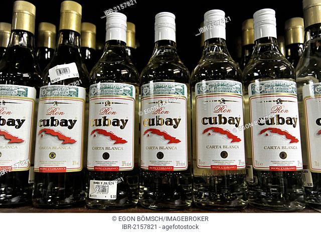 Ron Cubay, rum bottles, sale of rum, tourist shop, town centre of Havana, Centro Habana, Cuba, Greater Antilles, Caribbean, Central America, America