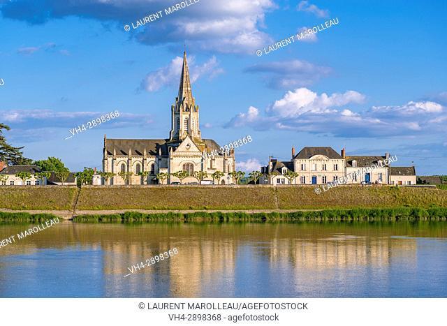 Sainte-Marie-Madeleine church and Loire River banks at Bréhémont Village. Indre-et-Loire Department, Centre-Val de Loire Region, Loire valley, France, Europe