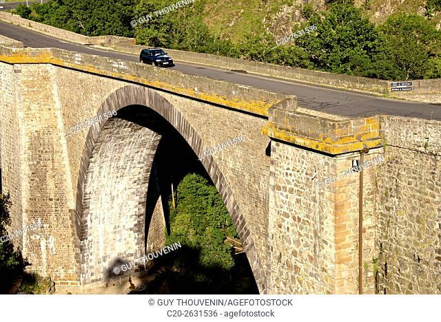 The old bridge over Allier river, Perched medieval village, Vieille Brioude, 43, Auvergne, Haute Loire, France
