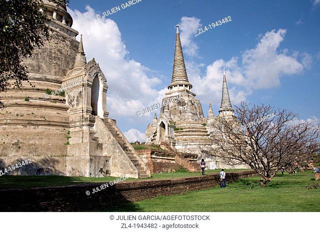 Large white stupas at Wat Phra Si Sanphet temple. Thailand, Ayutthaya, Wat Phra Si Sanphet