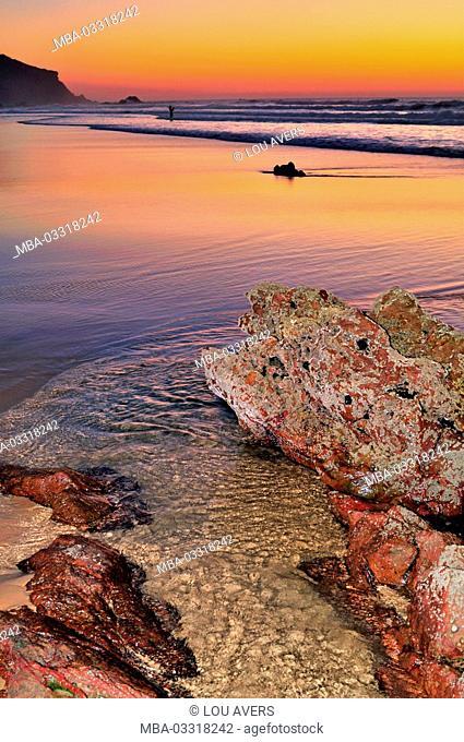 Portugal, Algarve, evening rock beach Praia do Amado in the nature reserve Costa Vicentina