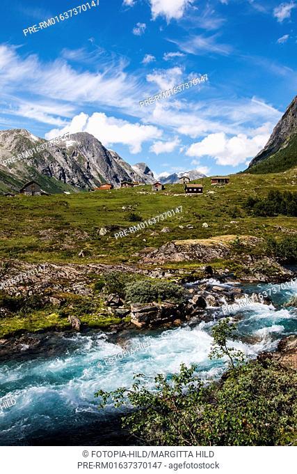 Mountain village at Fylkesvei 15 on the way to Hjelle, Norway, July 2016 / Bergdorf am Fylkesvei 15 auf dem Weg Hjelle, Norwegen, Juli 2016