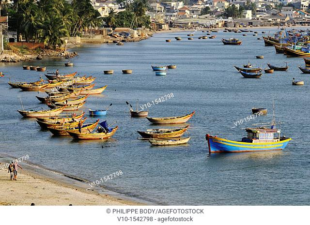 Vietnam, Mui Ne, fishing boats near the beach