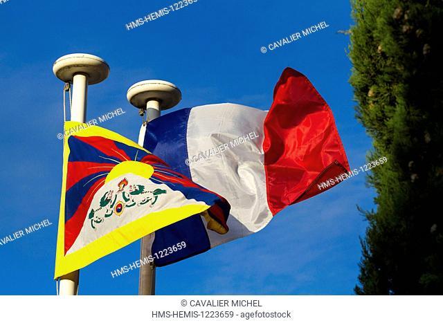 France, Alpes de Haute Provence, Digne les Bains, tibetan anf french flags of Samten Dzong, home and headquarters of the Cultural Centre Alexandra David Neel...