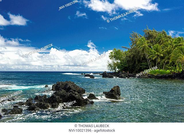 Bay on the east coast of Maui, Hawaii, USA