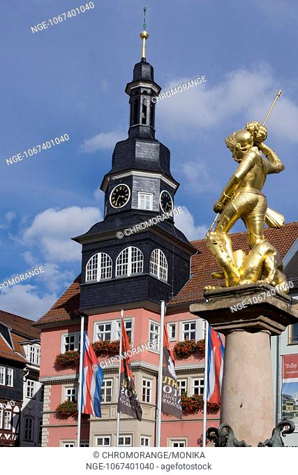 View of the golden statue of St George on the Marktbrunnen market fountain and the town hall, Eisenach, Thuringia, Germany, Europe