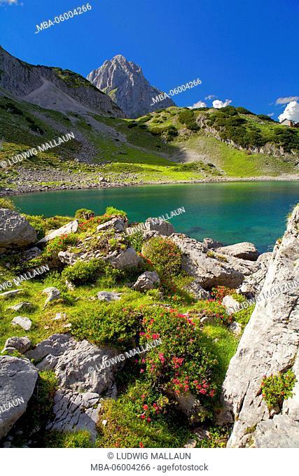 Austria, Tyrol, Ehrwald, Drachensee (lake)