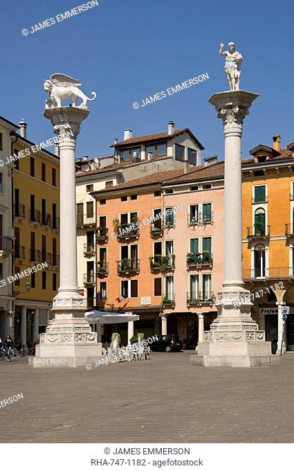 The columns of the Venice Lion and St. Theodore in the Piazza dei Signori, Vicenza, Veneto, Italy, Europe