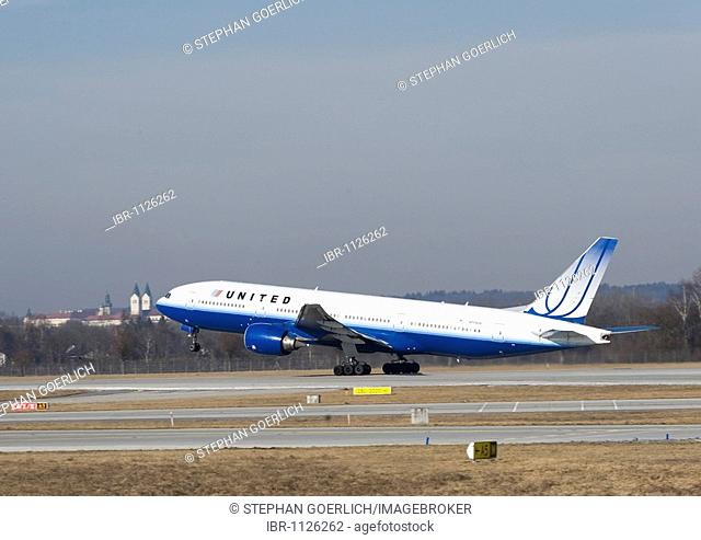 Boeing 777-222 from United Airlines, Munich Airport, Munich, Bavaria, Germany, Europe