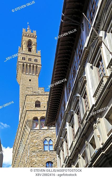 Palazzo Vecchio and the Uffizi Gallery, Piazzale degli Uffizi, Florence, Tuscany, Italy, Europe
